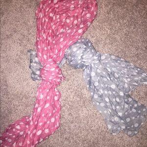 Accessories - Bundle of 2 scarves